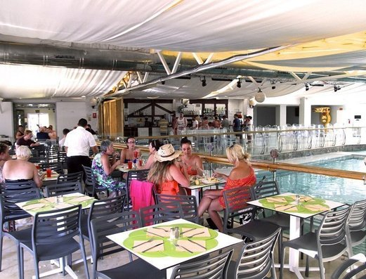 RESTAURANTE Benidorm Celebrations™ Pool Party Resort (Adults Only) Apartamentos