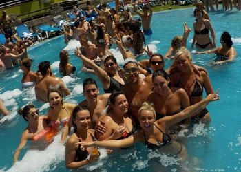 Pool Party Benidorm Celebrations™ Pool Party Resort (Adults Only) Apartamentos